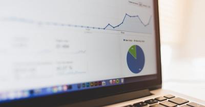 Samenwerking tussen bedrijf en bedrijfsanalist